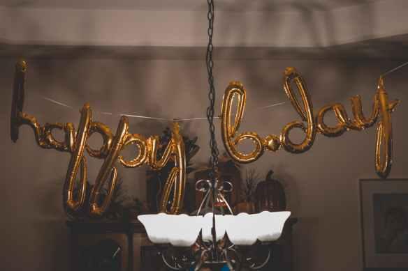 happy b day balloon wall decors